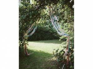 Rubans-colores-arbre_w641h478